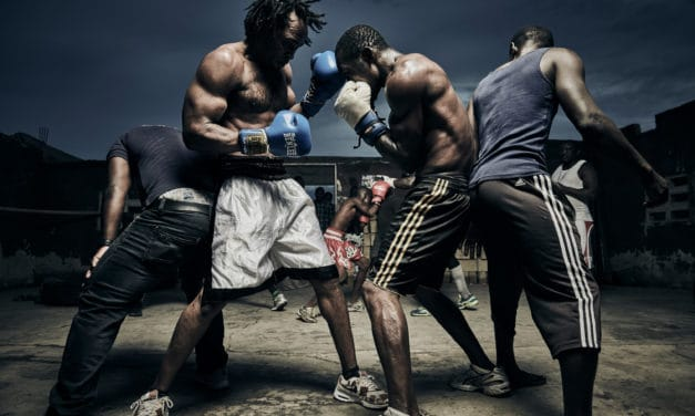 Nikonov ambasador Ray Demski fotografira kruto romanco boksarjev iz Bukoma