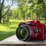 """Dva Nikonova kompaktna """"super zoomerja"""" za raziskovanje tistega tam daleč"""